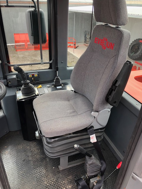 Carines Merchandise - Everun ER40 comfortable seat