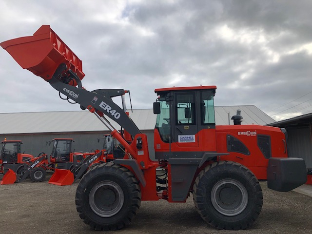 Carines Merchandise - Everun ER40 with loader